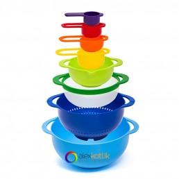 kitchen ware, plastic bowls